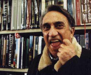 Emilio Fede in una simpatica espressione... (Foto: www.caffeeuropa.it)